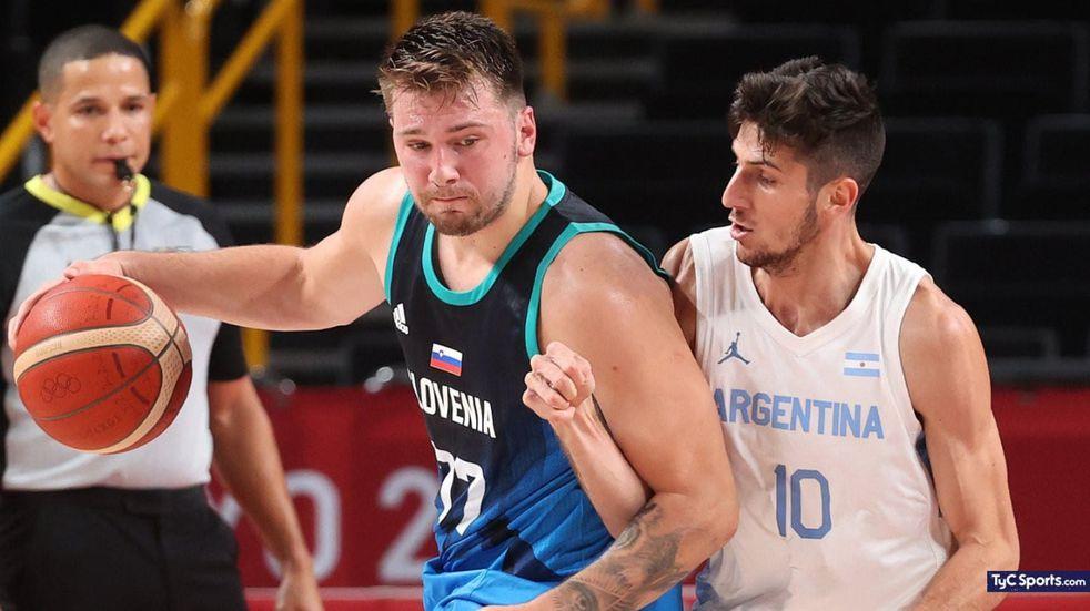 El basquetbolista de Las Varillas Leandro Bolmaro hizo su debut en los Juegos Olímpicos