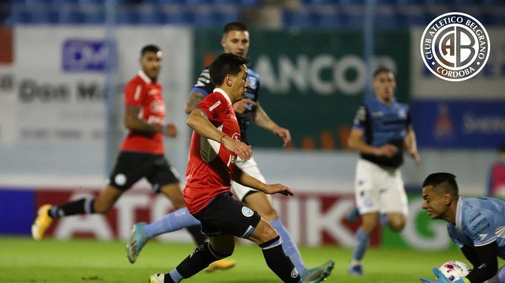En Río Cuarto, Belgrano le ganó a Estudiantes con gol de Vegetti en el final del partido