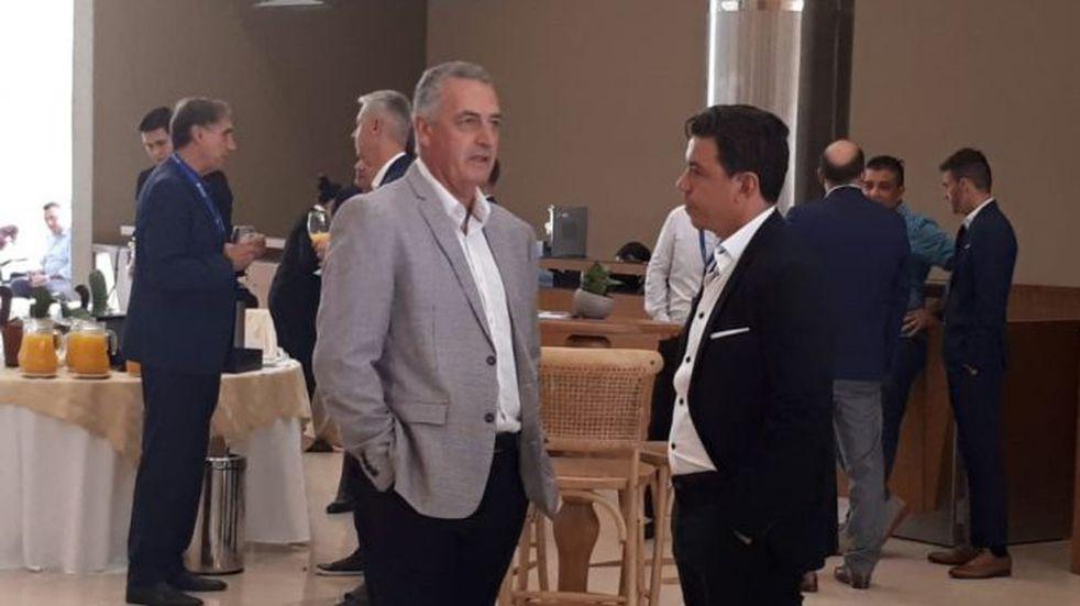 Marcelo Gallardo y Gustavo Alfaro, juntos en una cumbre de entrenadores de la Conmebol