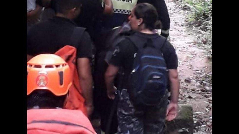 Bomberos rescataron a una mujer tras sufrir un accidente en los senderos de Yerba Buena