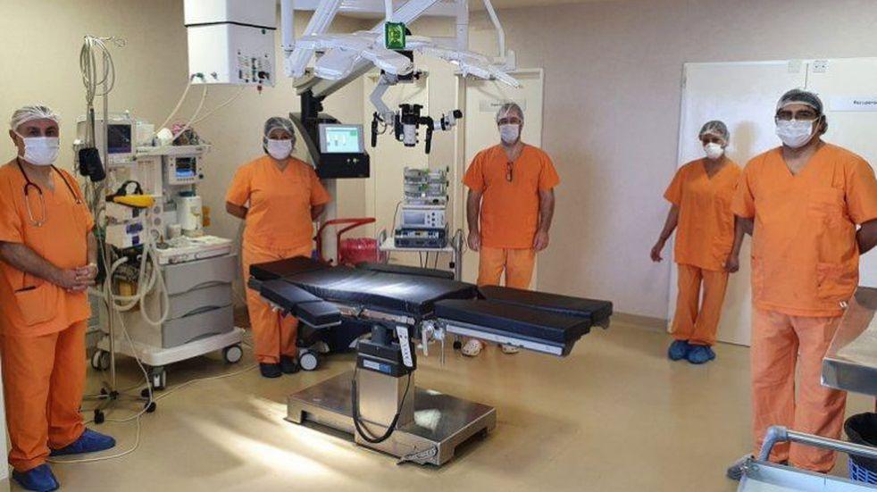 Realizan la primera cirugía de cerebro con una paciente despierta en Neuquén