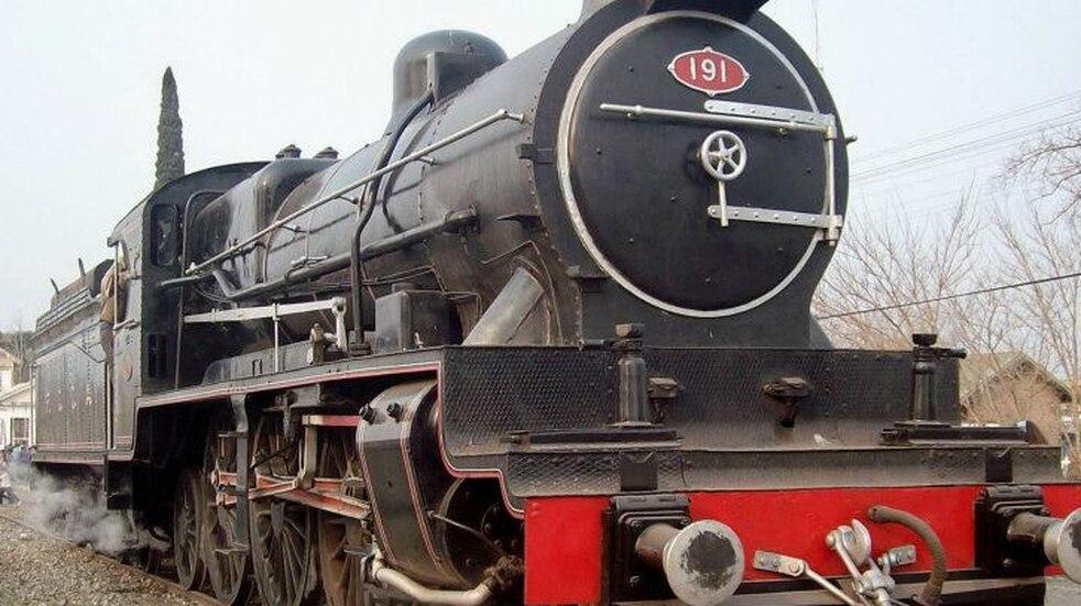 El museo ferroviario de Pérez abrirá sus puertas con la locomotora Emperatriz como anfitriona