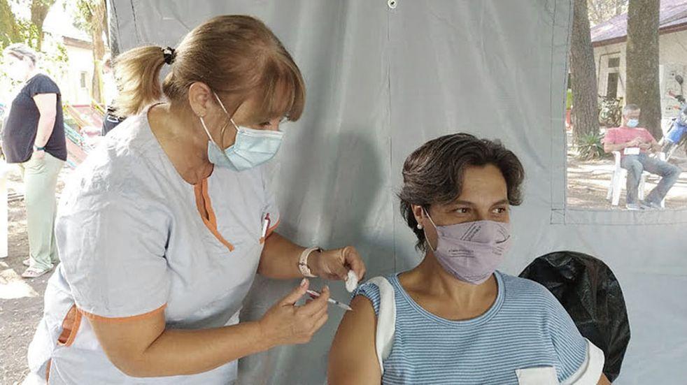 Ziliotto aseguró que en dos semanas La Pampa tendrá vacunada a toda la población de riesgo
