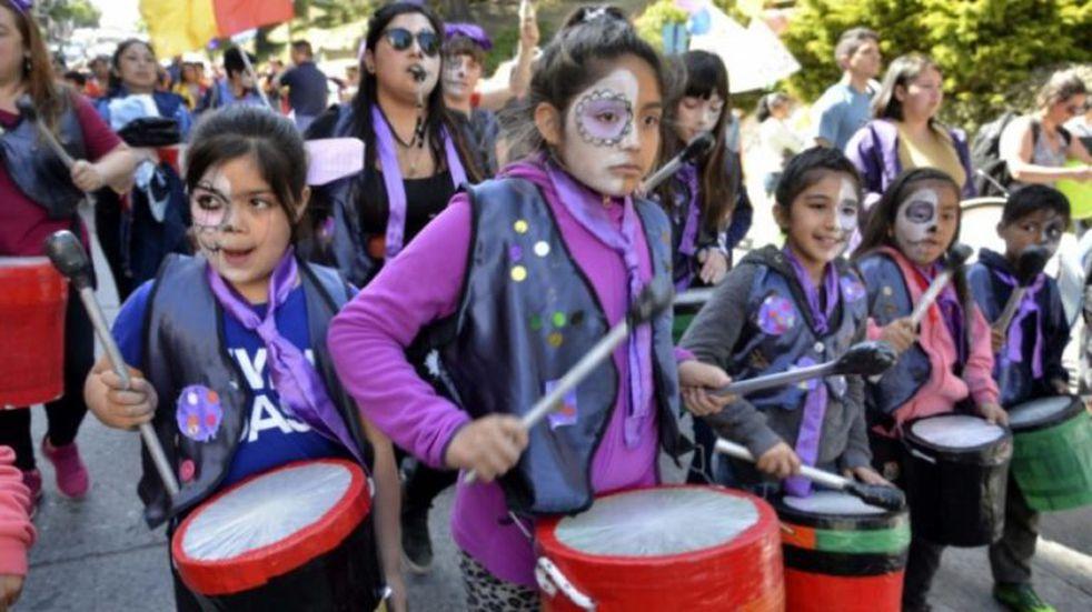 Jóvenes de Bariloche se movilizaron por los Derechos de la Niñez