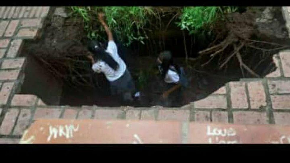 Se hundió el piso de un colegio en Salta y tres alumnas cayeron dentro