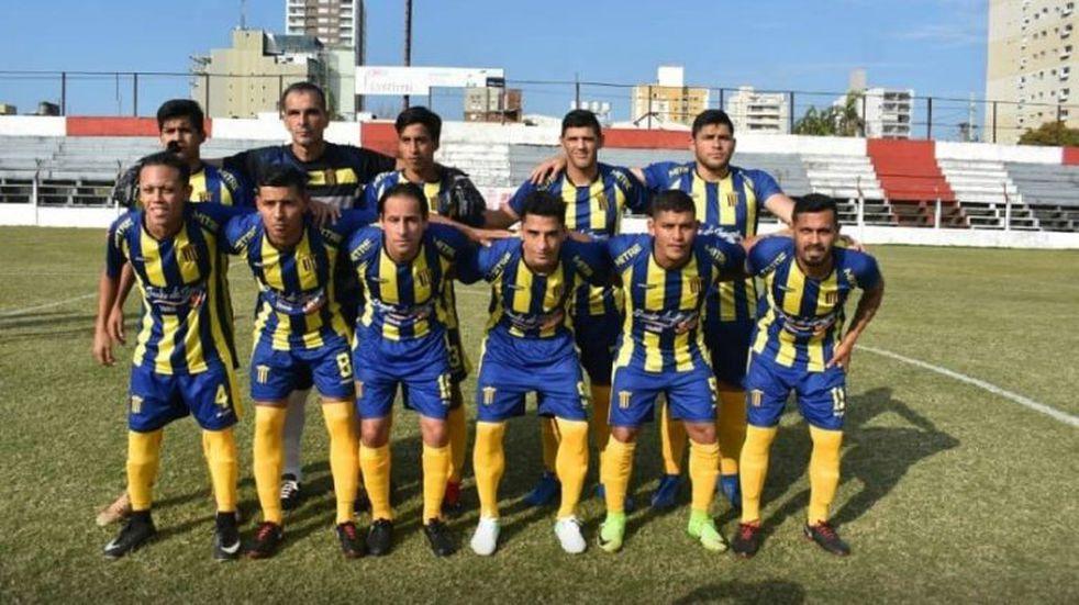 Mitre y Sporting juegan la primera final el domingo