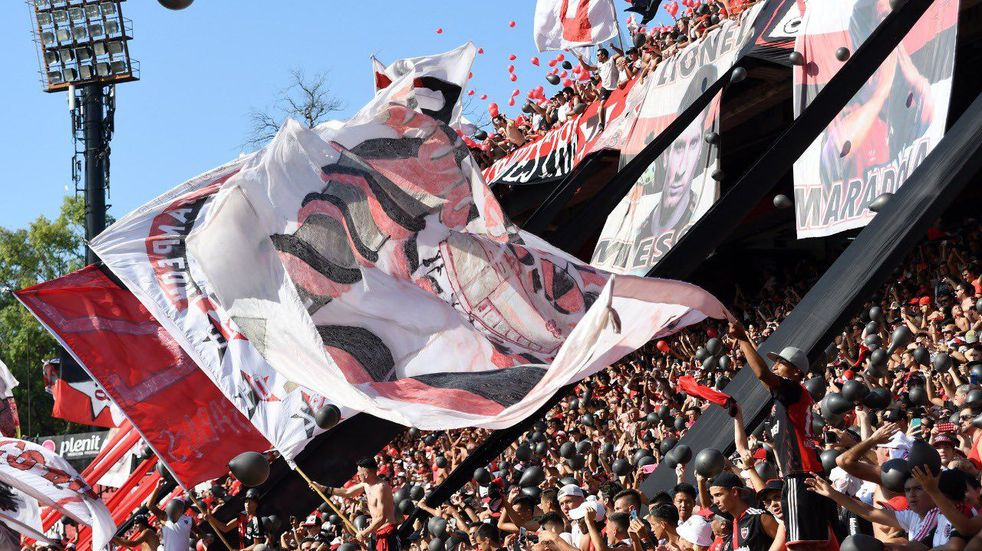 Los hinchas de Newell's vuelven al Coloso Marcelo Bielsa después de 18 meses. (@Newells)