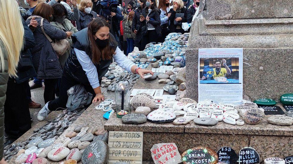 Marcha de las Piedras: se realizó una nueva convocatoria en homenaje a los muertos por coronavirus