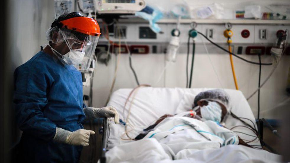 Coronavirus: la ocupación de camas de terapia intensiva se cuadriplicó en dos meses