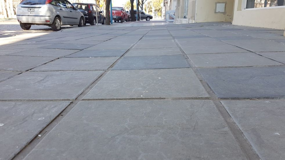 El 10 de junio se licitará la reparación de veredas y columnas de alumbrado