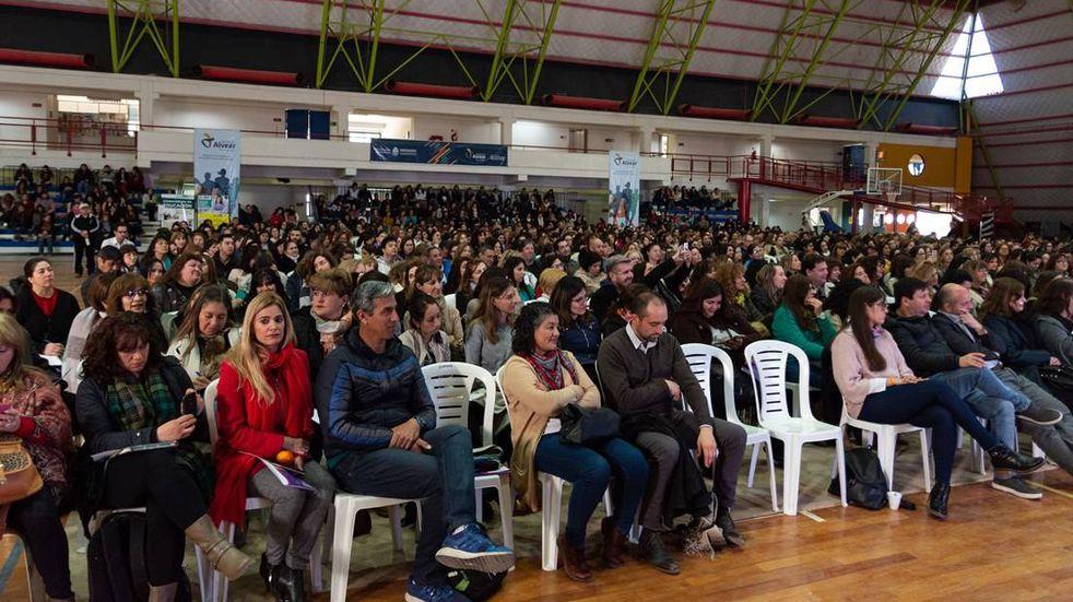 Alvear presentó el XVI Congreso de Educación que este año será internacional