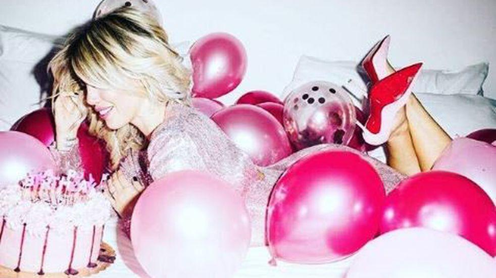 """Wanda Nara festejó sus 32 años con una fiesta """"sparkling pink"""""""