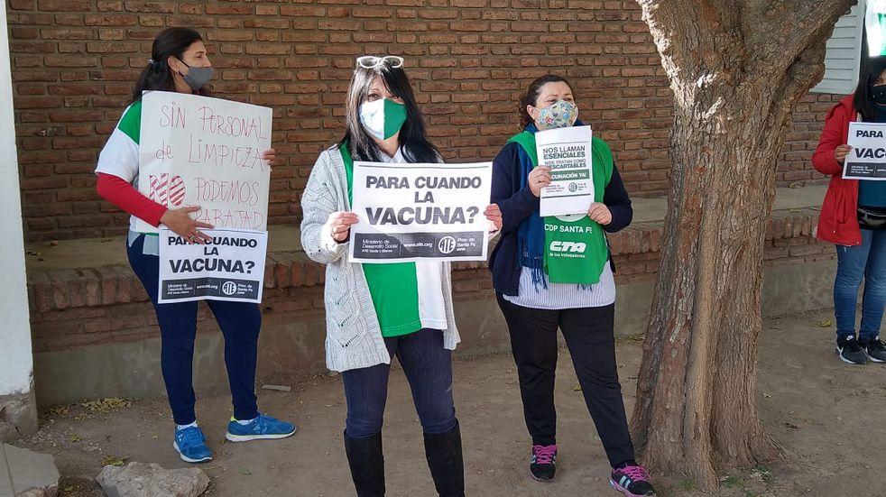 Protesta de ATE reclamando vacunas para el personal del CAF N° 30
