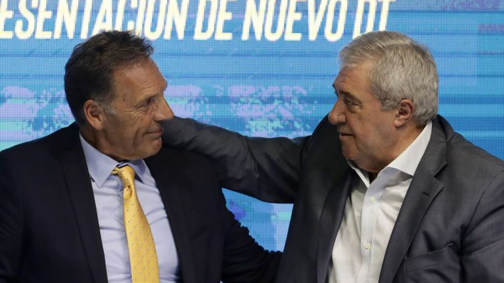Riquelme, Ameal y Russo se reunieron tras la primera práctica de fútbol de Boca