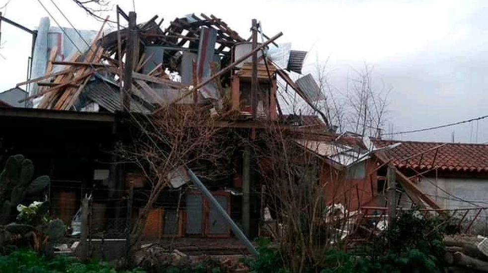 Asistieron en Tandil a familias que perdieron todo por el temporal en la ciudad