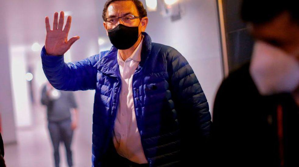"""""""Salgo con la frente en alto"""", aseguró Martín Vizcarra, presidente destituido de Perú"""