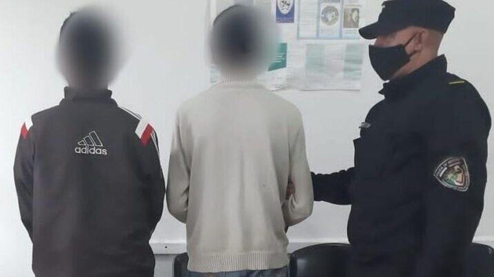 Dos individuos fueron detenidos por comercializar herramientas sustraídas de su lugar de trabajo.