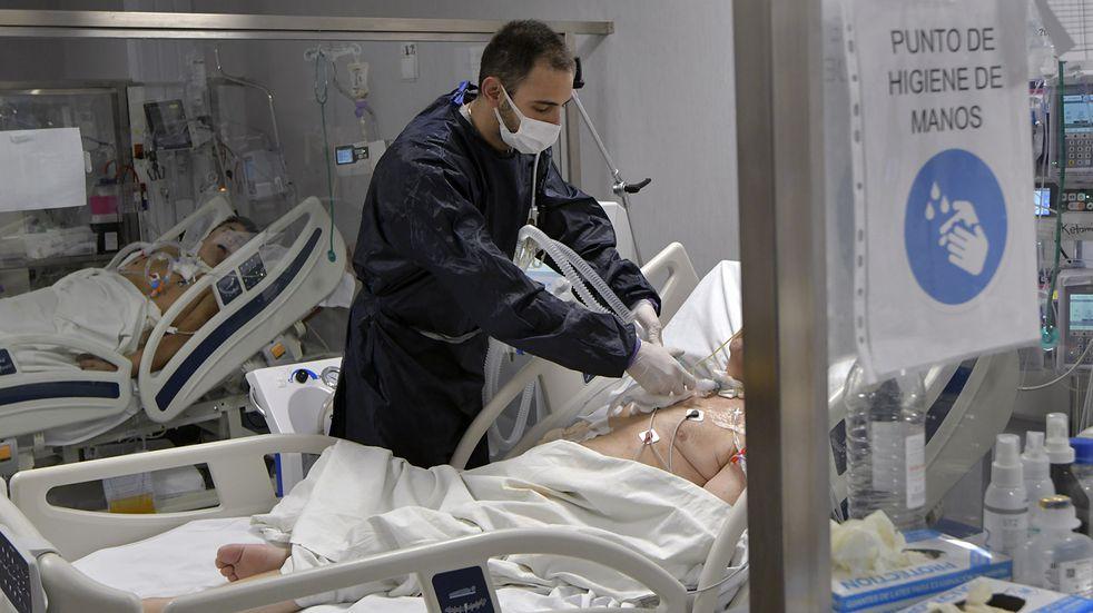 El informe del Ministerio de Salud detalló que hasta la fecha en Mendoza se registraron 164.855 casos positivos confirmados Covid-19. Orlando Pelichotti/Los Andes