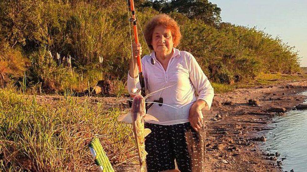 Entrerriana de 88 años se vacunó contra el covid y le pidió a su hijo que la lleve a pescar