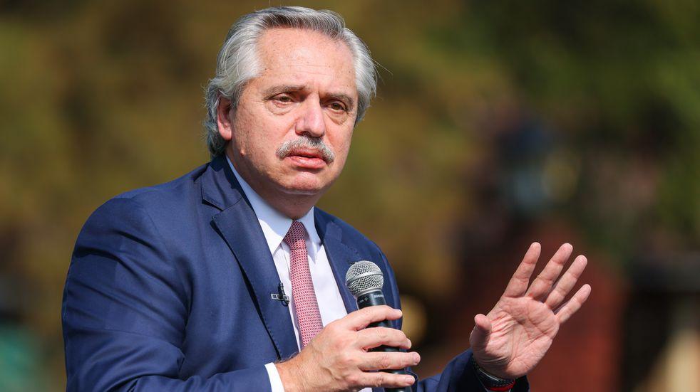 """Alberto Fernández destacó """"alto acatamiento"""" a  las medidas y cargó contra la Ciudad"""