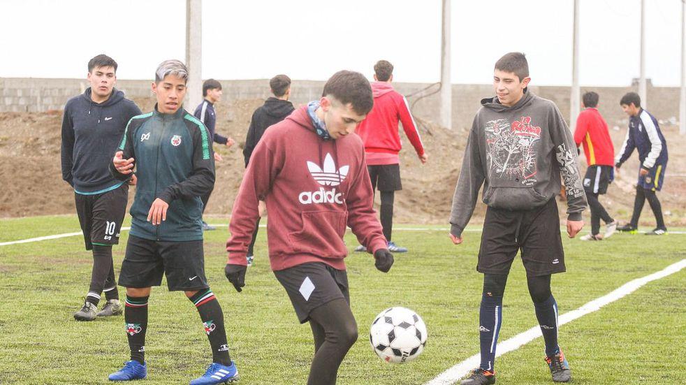 Juegos de la Araucanía: los preseleccionados de Voley y fútbol concentraron en Río Grande