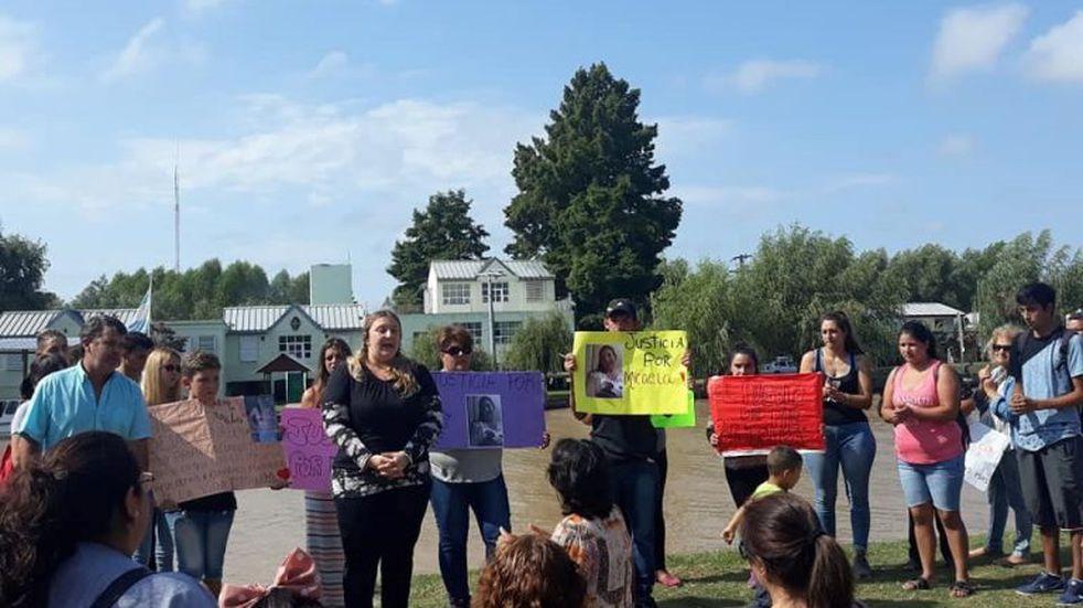 Villa Paranacito: reclamos y movilización tras la muerte de una joven madre