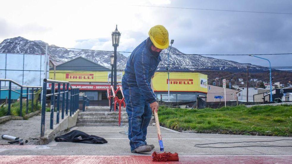 Continúa la remodelación de la Plaza de los Bomberos